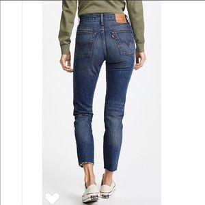 Levi's Wedgie Fit - Size 24